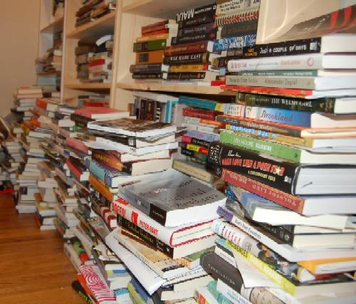 bookpiles.jpg